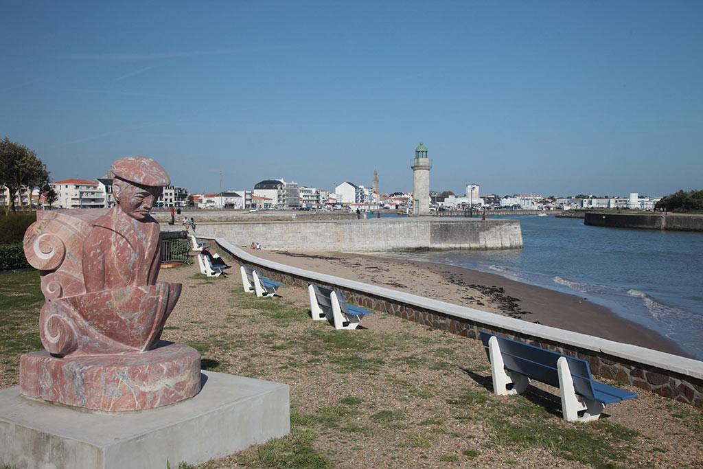 St Gilles Croix de Vie entrée du port