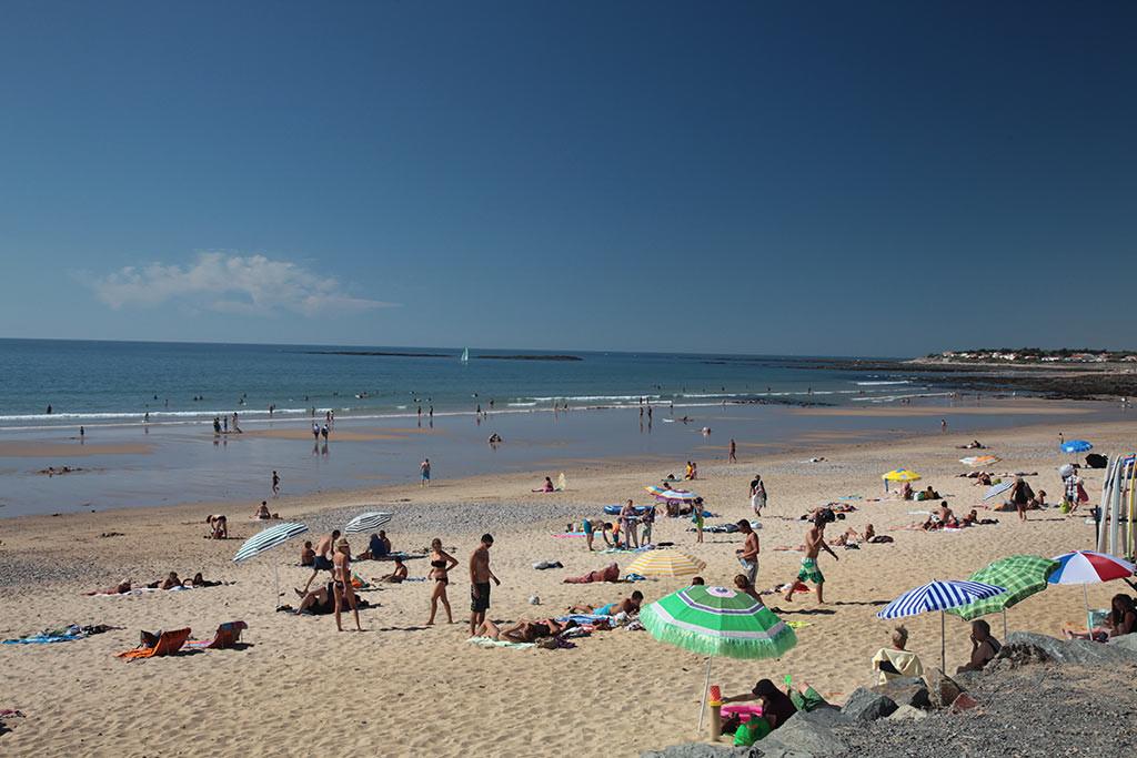 Brétignolles sur mer plage l'été